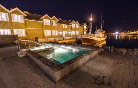 heliski island , piscine exterieur